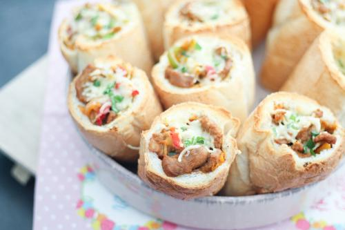 Brunch rolls with spiced veal schnitzel (escalope)
