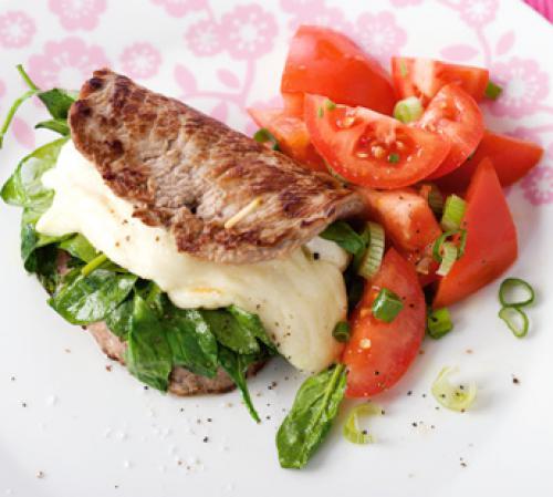 Kalbsschnitzel mit Spinat und Mozzarella
