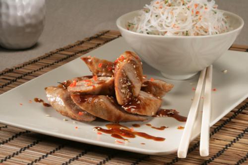 Saucijsjes in Japanse saus met pikante glasnoedels