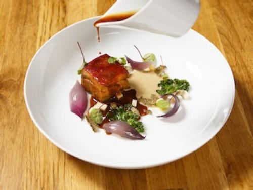 Borst met linzen, cederappel en geroosterde rode uien