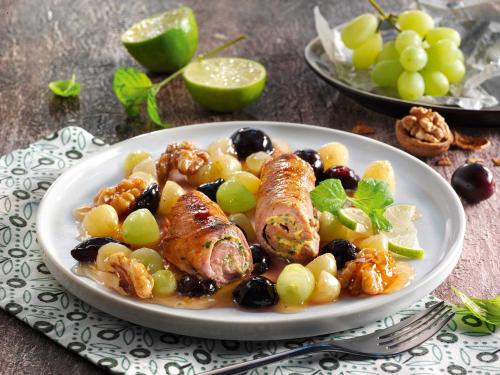Kalbfleischröllchen an Trauben-Walnuss-Gemüse
