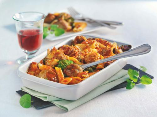 Pasta bake with veal meatballs