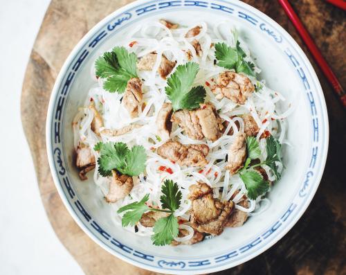 Noodles con carne di vitello a listarelle