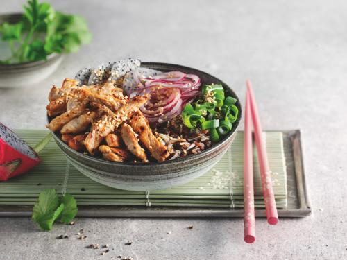 Anti-Aging-Booster: Exotic Bowl with Veal entrecote, wild rice and dragon fruit
