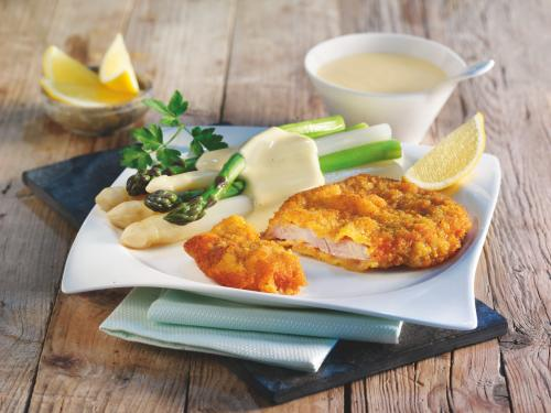 Kalbsschnitzel mit Spargel und Sauce Hollandaise